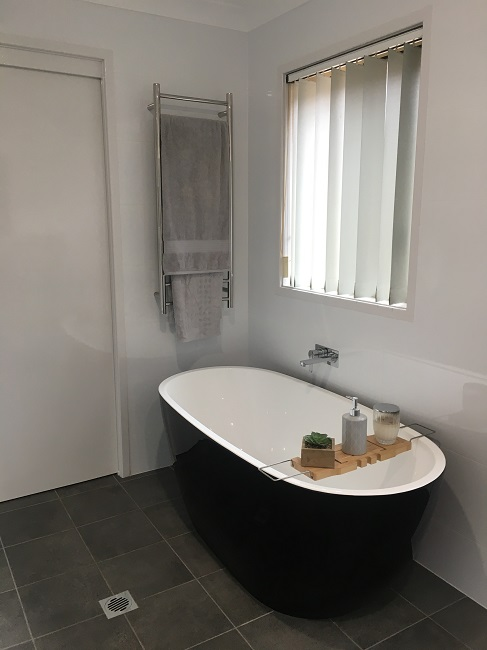 Before And After Photos Of A Bathroom Renovation In